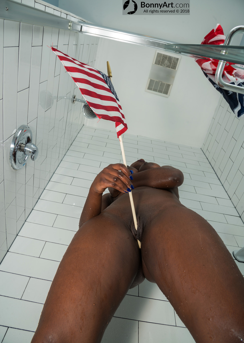 Black Woman Masturbating with the USA Flag's Stick