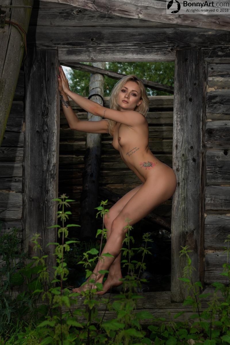 Blonde Hottie Naked at the Old Hut's Door