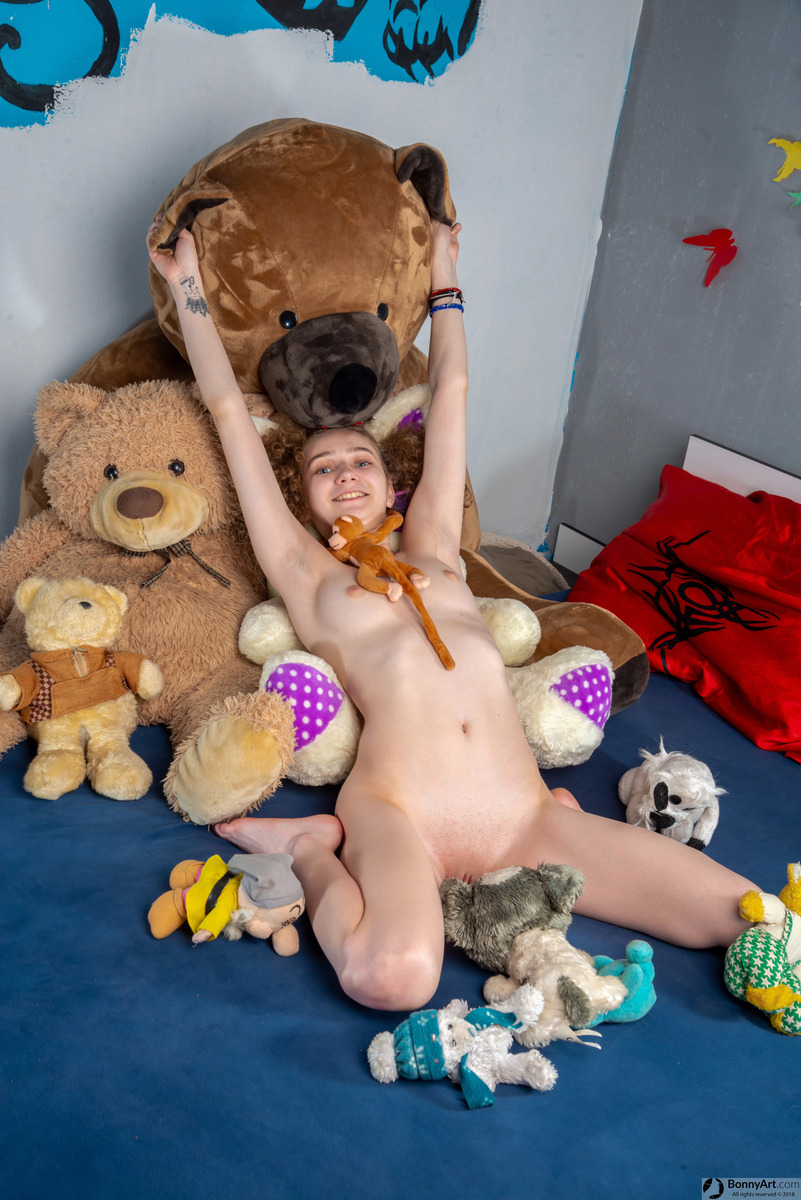 Naked Teen Girlfriend Got Plush Toy Presents