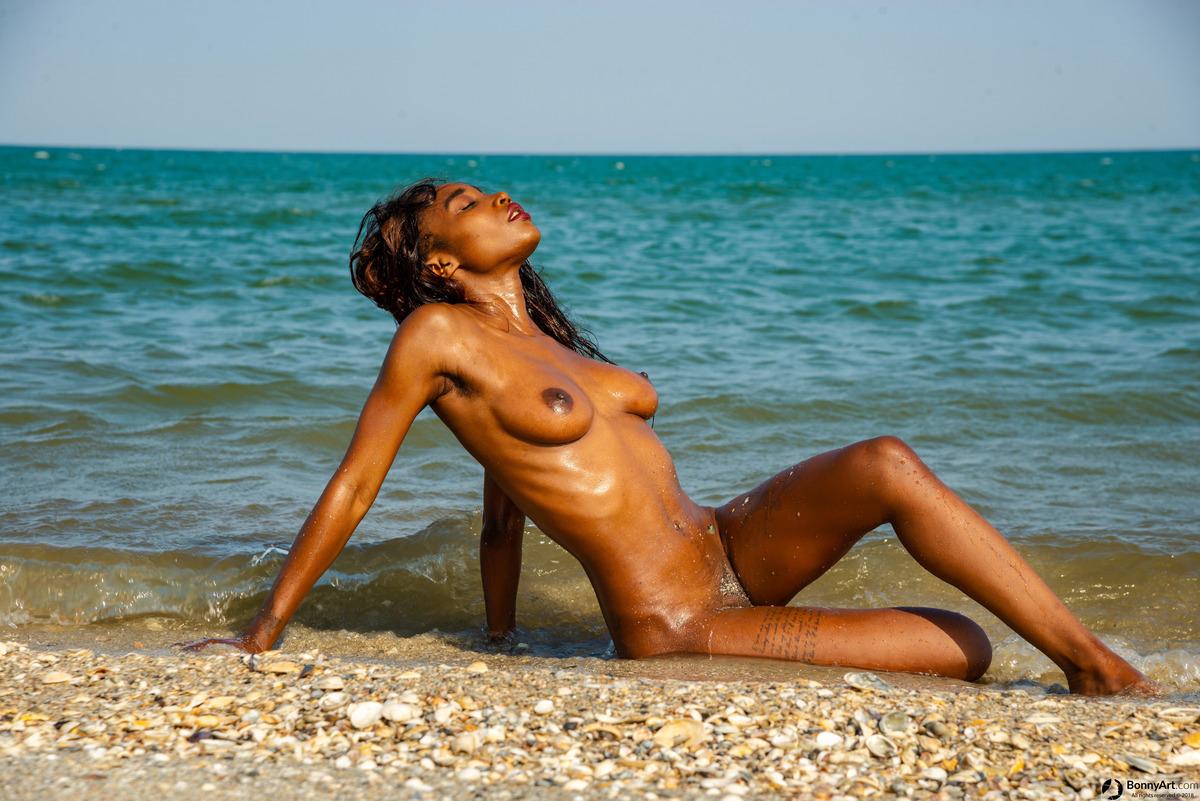 Beautiful Brown African Nudist Girl Beach