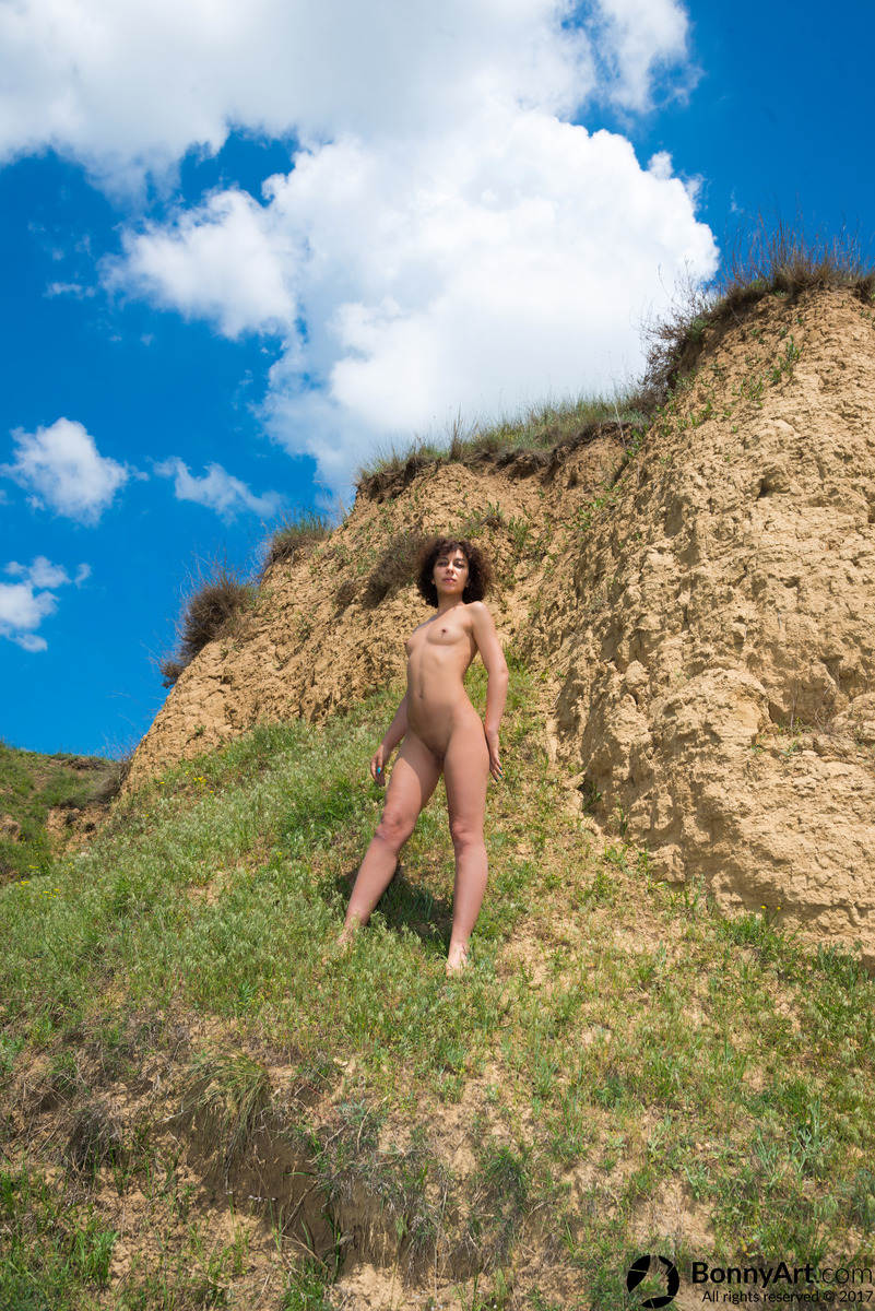Hiker Girl Caught Nude on the Hill