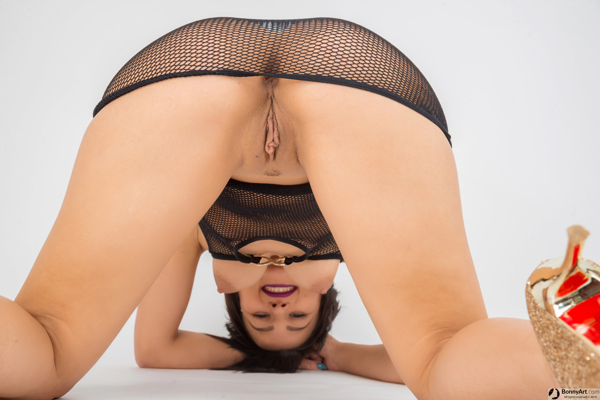 On All Fours Happy Girlfriend Pussy and Tits