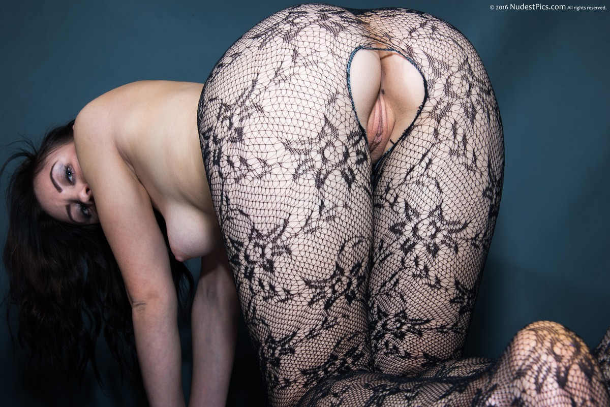 Tight Sexy Chick Ass on all fours with Hosiery